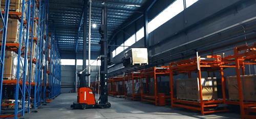 Kollmorgen NDCSolutions, 赛拉弗光伏系统有限公司通过该使用高举升AGV提高了仓库出入库的精度和效率